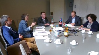 Dr. Roland Adelmann diskutierte mit Vertretern oberbergischer Grundschulen